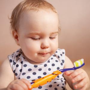 Bebeklerde Diş Fırçası ve Diş Macunu Seçimi